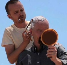 Bryan Cranston and Aaron Paul kaputt Breaking Bad Jesse, Breaking Bad Funny, Serie Breaking Bad, Series Movies, Film Movie, Movies And Tv Shows, Tv Series, Aaron Paul, Bryan Cranston