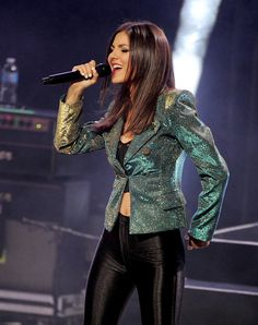 Victoria Justice - Big Time Rush, Victoria Justice, Jackson Guthy And Olivia Somerlyn Perform At The Gibson Amphitheatre