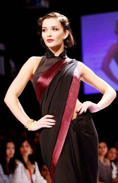 SPOTTED: SRK, Salman, Deepika, Katrina, Abhishek, Amy, Mallika! | Bollywood | Slide 6 | Indiatimes Mobile | Page 6
