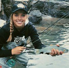 Fly Fishing Girls, Fly Fishing Net, Fishing World, Gone Fishing, Fishing Tips, Fun Stuff, Hunting, Lady