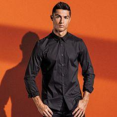 World Best Football Player, Good Soccer Players, Football Players, Cristiano Ronaldo Junior, Cr7 Ronaldo, Christiano Renaldo, Sexy Men, Mens Fashion, Real Madrid