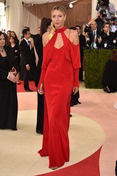 Pin for Later: Seht alle Stars auf dem roten Teppich der Met Gala Maria Sharapova