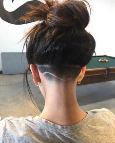 Best Under cut Hair Ideas 2020 Undercut Hairstyles Women, Short Hair Undercut, Short Hair Cuts, Cool Hairstyles, Girl Undercut, Haircuts, Undercut Women, Undercut Hair Designs, Curly Hair Styles
