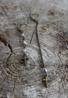 Boucles BO789 asymétriques en laiton mini par creationjuliedupont, $12.00 Arrow Necklace, Creations, Etsy, Mini, Jewelry, Brass, Locs, Jewels, Jewlery
