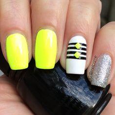 Super bright summer nails