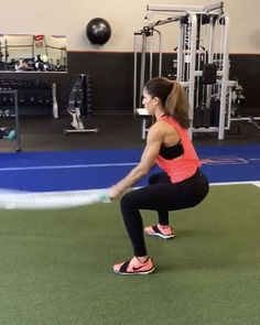 """9,074 Likes, 153 Comments - Alexia Clark (@alexia_clark) on Instagram: """"BATTLE 40seconds of each movement with 20 seconds rest! 3-5 rounds! #alexiaclark #queenofworkouts…"""""""
