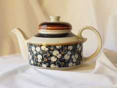 A Taika teapot from Arabia of Finland by gothenburgcollection, kr785.00