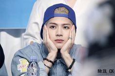 Pensando na vida né Jackson? .... Ahh ia me esquecendo... Prazer meu nome é vida ♥
