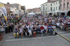 6 settembre, Festival della politica 2013 | ore 19.00 Piazza Ferretto, il pubblico di Lucio Caracciolo, Angelo Panebianco, Renzo Guolo (14)