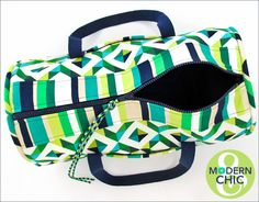 Compact Geo Pop Duffle with Rip Stop Lining - Duffle Bag Patterns, Purse Patterns, Handmade Fabric Bags, My Style Bags, Barrel Bag, Diy Purse, Zipper Pouch, Bag Making, Purses And Bags
