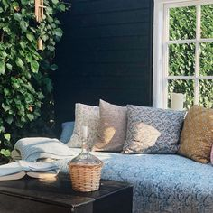 Outdoor Sofa, Outdoor Spaces, Outdoor Decor, Floral Cushions, Danish Style, Cabins And Cottages, Farm Yard, Scandinavian Home, My House