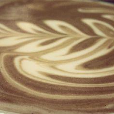 フォームのキメはオッケーでござる。 #latteart #artinmylatte #ラテアート, via Flickr.