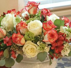 Three Important Tips for Floral Centerpiece Arrangements - Inexpensive table centerpiece by Jenniferdecorates.com