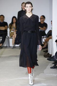 Olivier Theyskens Spring 2017 Ready-to-Wear Fashion Show - Bella Dunn