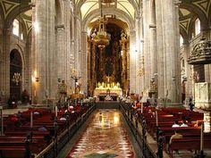Interior de la Catedral de la ciudad de México D F. México