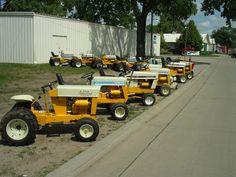 International Tractors, International Harvester, Small Garden Tractor, Cub Cadet Tractors, Vintage Tractors, Small Engine, Ih, Dream Garage, Lawn And Garden