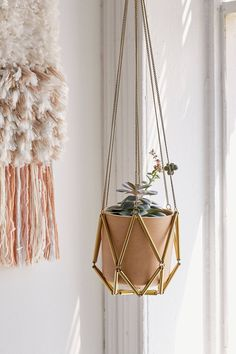 Ella Metal Macrame Hanging Planter | Urban Outfitters | Home & Gifts | Home Accessories | Terrariums & Gardens #urbanoutfitterseu #uoeurope