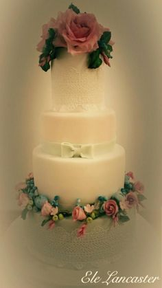 My wonderful new creation! - Cake by Ele Lancaster