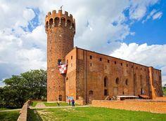 Zamek Krzyżacki w Świeciu ulokowany w widłach rzeki Wdy i Wisły należy do nielicznych wodnych fortec średniowiecznej Europy