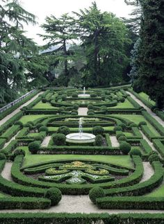 Pictured is a view of the Vatican Gardens Friday June 13 2008 White House photo by Chris Greenberg Famous Gardens, Amazing Gardens, Beautiful Gardens, European Garden, Italian Garden, Topiary Garden, Garden Art, Boxwood Garden, Herb Garden