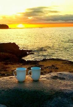 Coffee at sunrise. Simply two coffee cups sitting on a large rock by the ocean. Coffee Break, Coffee Time, Morning Coffee, Coffee And Books, Coffee Art, Black Rock Coffee, Sunrise Coffee, Kauai Coffee, Good Morning Beautiful People