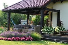 52 Fresh Front Yard and Backyard Landscaping Ideas for 2019 If you're anything like us, you recognize that it's notjust the in that counts – when it concerns residences, that is! Emphasizing your house with. Rock Garden Design, Backyard Garden Design, Yard Design, Terrace Garden, Small Gardens, Outdoor Gardens, Organic Gardening Magazine, Cheap Pergola, Front Yard Landscaping