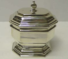 5263. Victorian Silver Caddy Box  A plain style antique sterling silver tea caddy with hinged lid.