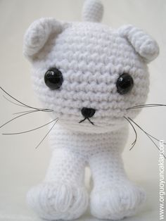 PATTERN DEAL Buy 4 get 1 free !! You can order any 4 pattern and get 1 free ... Please advise your choise when purchasing. ------------------------------------------------------------- Amigurumi White Cat.. miaw , miaw , please