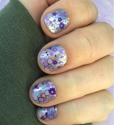 Oh... Flower Girl! This is a clear wrap, so it's layering possibilities are endless - and a really fabulous wrap for weddings!    ***    #JamminNailsByKim #NailWraps #Manicure #Pedicure #PrettyNails #Beauty #NailArt #NailArtDesign #NailFashion #DIYNails #DIYBeauty #DIYNailArt #Nails2Inspire #NailDesign #NonToxic #NonToxicBeauty #CleanBeauty #CrueltyFree #VeganBeauty #EcoFriendly #IHaveAWrapForThat #Jamberry #Gift #RetiringWraps #GGG #FlowerGirl #ClearWrap