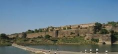 Our Jhalawar tour packages offer you to best facilities for travel and tourism in India. The place gives extra ordinary holidays to the tourists, enjoy vacation with travel guide.
