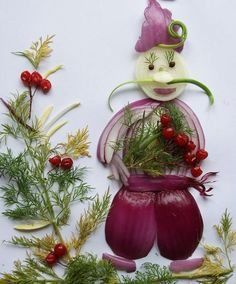 15 Photos Of Very Artistic Onion Decorations With Vegetables. Sydney Blog, Unique Facts, Food Displays, Love Eat, Fruit Art, Food Art, Carne, Amazing Art, Christmas Ornaments