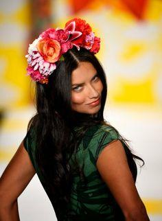 Brazilian Actress Adriana Lima Full HD Photos & Wallpapers
