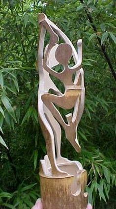 Bamboo Sculpture - Bamboo Arts and Crafts Gallery Pvc Pipe Crafts, Wood Crafts, Diy And Crafts, Arts And Crafts, Bamboo Garden, Bamboo House, Bamboo Fence, Bamboo Lamp, Bamboo Light