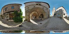 Eglise et couverts de Monflanquin - France
