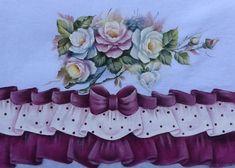 pano de prato com barrados falsos em tecido estilotex, todos pintados a mão, imitando tecido com babados