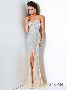All sequins #Jovani 4247 Strapless prom dress #prom #promdress #FormalApproach