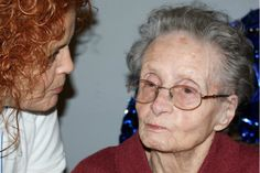 Giorno speciale a Villa Parma: la signora Leda Fantechi ha compiuto 100 anni.  Per l'occasione, il Comune di Parma le ha regalato la medaglia d'oro dei centenari, consegnata dal presidente del Consiglio comunale Marco Vagnozzi, nel corso d...