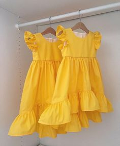 Girls Casual Dresses, Dresses Kids Girl, Kids Outfits, Baby Girl Frock Design, Baby Girl Dress Patterns, Kids Frocks Design, Baby Frocks Designs, Baby Girl Frocks, Frocks For Girls