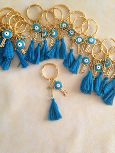 20 pcs Martyrika Key chain-Pins-Baptism Favors-Wedding Favors-Bridal Favors-Baby Shower Favors- first communion favors. First Communion Favors, Baptism Favors, Baby Shower Favors, Diy Keychain, Birthday Favors, Diy Crafts For Kids, Wedding Favors, Creations, Just For You
