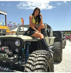 Women who love Jeeps make up a unique subculture within the culture of Jeep enthusiasts that are part of a larger group or culture of enthusiasts. These women are like-minded, embrace new people and Jeep Wrangler Girl, Chevy, Jeep Baby, Badass Jeep, Jeep Truck, Jeep 4x4, Jeep Rubicon, Cool Jeeps, Trucks And Girls