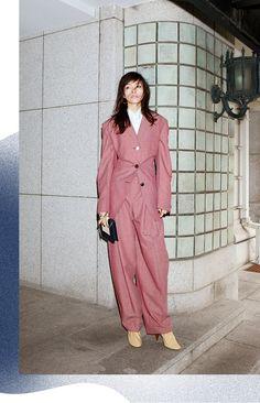 スーツ、ペンシルスカートにトレンチコート。新シルエットや色をまとった個性派お仕事アイテムをモデル、太田莉菜がボス気分で着こなす!