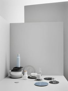 Elegant dinnerware collection featuring soothing Scandinavian colors