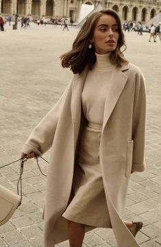 The Best Charming Fall Street Style Outfits Inspiration to Make You Look Cool this Season Comfortable Winter Outfits, Cute Winter Outfits, Classy Outfits, Chic Outfits, Fashion Outfits, Style Fashion, Geek Fashion, Travel Outfits, Christmas Outfits