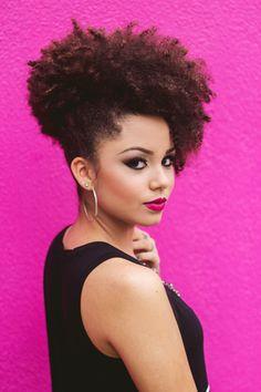 Look: Maxi blusa | Apenas Ana Afro Kinky Hairstyles, Ethnic Hairstyles, Pretty Hairstyles, 4c Natural Hair, Natural Hair Styles, Pelo Afro, Braids For Black Hair, Hair Affair, Everyday Hairstyles