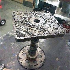Steampunk table, Like it! Car Part Furniture, Metal Furniture, Industrial Furniture, Cool Furniture, Welding Art Projects, Metal Art Projects, Metal Crafts, Car Part Art, Steampunk Furniture