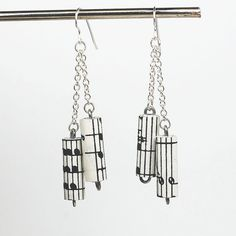 Music Jewelry Vintage Sheet Music Earrings Chain by Tanith on Etsy Paper Bead Jewelry, Paper Beads, Beaded Jewelry, Pearl Jewelry, Handmade Beads, Earrings Handmade, Handmade Jewelry, Diy Jewelry, Jewlery