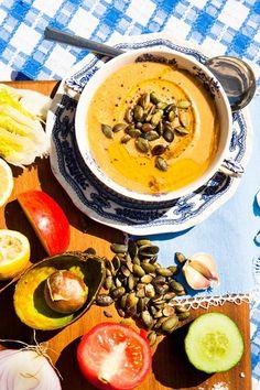 Hemsley And Hemsley Avocado Gazpacho Recipe (low carb! Healthy Soup, Healthy Eating, Healthy Recipes, Clean Eating, Great Recipes, Soup Recipes, Cooking Recipes, Fresco, Hemsley And Hemsley