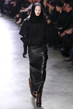 Rick Owens Fall 2011 Ready-to-Wear Fashion Show - Kirsi Pyrhonen