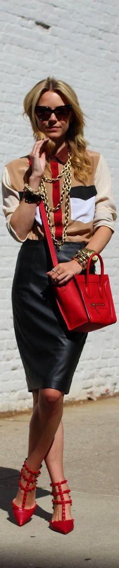 Celine bag & Valentino shoes are to die for! Love the uber glam look! Via Atlantic-Pacific Love Fashion, Autumn Fashion, Womens Fashion, Fashion Design, Fashion Trends, Fashion Black, Fashion Ideas, Vintage Fashion, Street Style