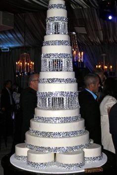 Very tall bling wedding cake! Elegant Wedding Cakes, Beautiful Wedding Cakes, Gorgeous Cakes, Wedding Cake Designs, Pretty Cakes, Amazing Cakes, Dream Wedding, Wedding Ideas, Extravagant Wedding Cakes